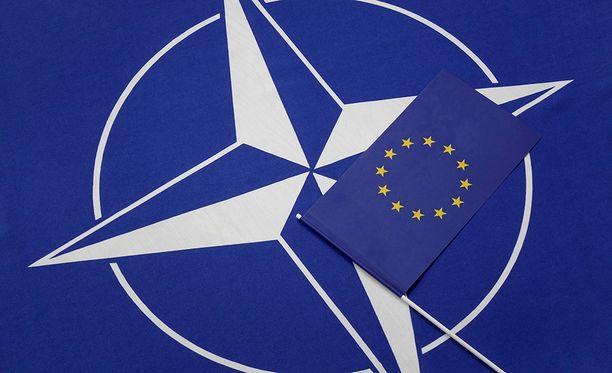 NAto-avaus voisi avata uuden keskustelun, kirjoittaa Alpo Rusi.