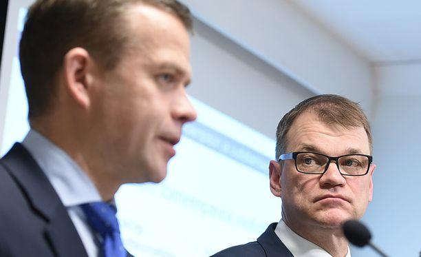 Petteri Orpo ja Juha Sipilä torppasivat SDP:n lomarahakysymykset torstaina. Arkistokuva.