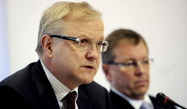 Talouskomissaari Olli Rehn muistutti, että Suomen sitoutuminen kriisimaiden lainoihin, on Suomen edun mukaista.