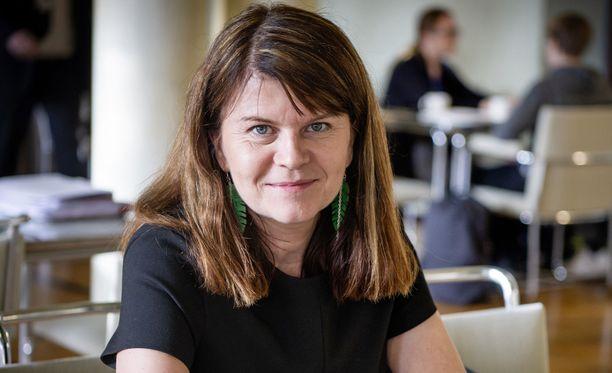 Kolmannen kauden kansanedustaja Outi Alanko-Kahiluoto pyrkii vihreiden johtoon.