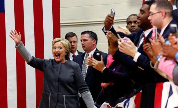 Hillary Clinton on yksi supertiistain ennakkosuosikeista.