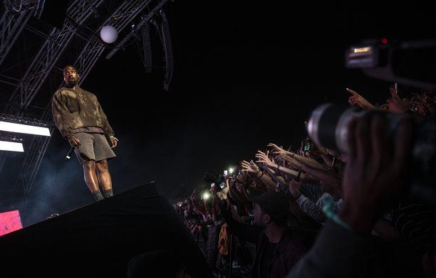 Yhdysvaltalainen Kanye West on yksi maailman kuuluisimpia räppäreitä.