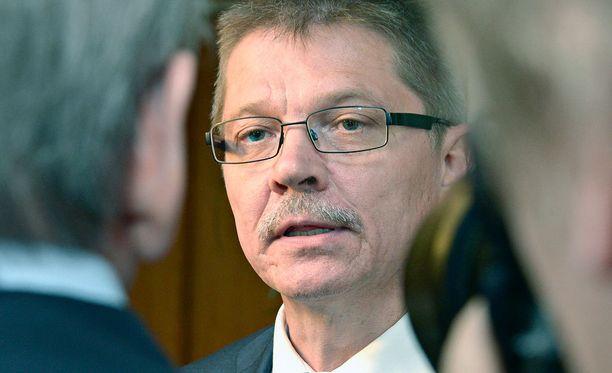 Kuntatyönantajien työmarkkinajohtaja Markku Jalosen mukaan neuvottelut yhteiskuntasopimuksesta jatkuvat tiiviinä.