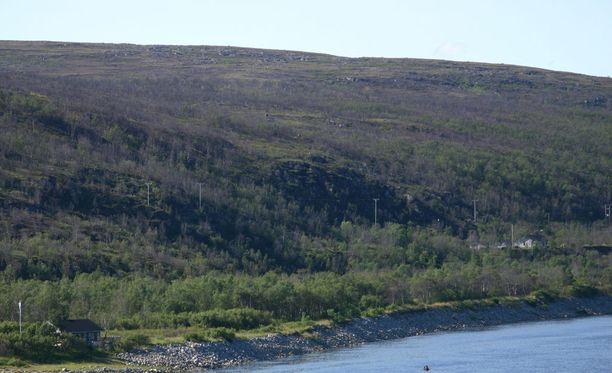 Nuorgam on Suomen ja EU:n pohjoisin kylä. Kuva otettu Tenojoen yli Norjan puolelta.