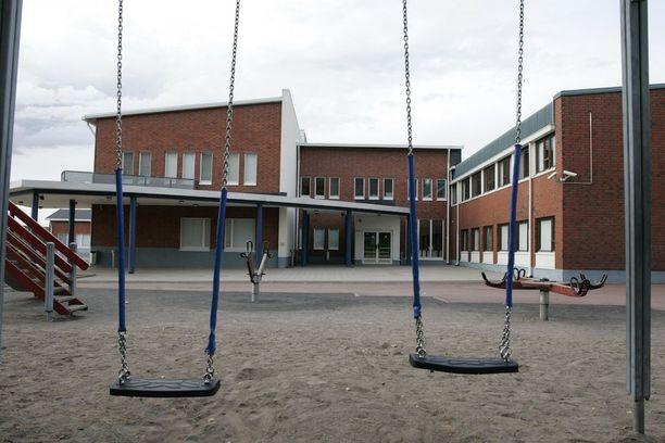 Siuntion Aleksis Kiven koulusta on löytynyt hometta. 400 oppilaalle etsitään parhaillaan väistötiloja.