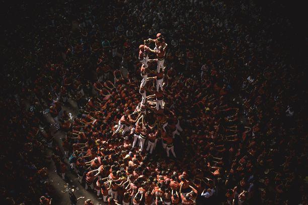 Kisaa käytiin Katalonian Tarragonassa. Ihmistornit esiintyvät myös Barcelonan vuoden 1992 olympialaisten avajaisissa.