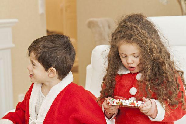 Vesa Keskinen lupaa olla enemmän läsnä lastensa Marian ja Toivon arjessa.