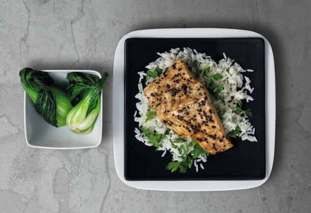 Höyryuunissa ruoan ravintoaineet, maku ja koostumus pysyvät hyvänä myös uudelleenlämmityksen jälkeen.