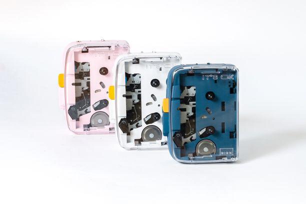 Kasettisoittimesta on tarjolla kolme eri värivaihtoehtoa.