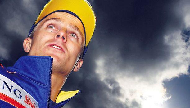 PIINALLISTA Tummat pilvet pysyvät Heikki Kovalaisen ja Renaultin yhteisen jatkon yllä.
