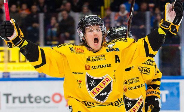 Juuso Riikola oli yksi KalPan viime kauden avainpelaajia. Ensi kaudella hän tuulettaa muissa maisemissa.