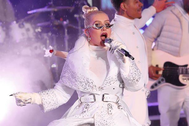 Christina Aguilera esiintyy kesällä Suomessa.