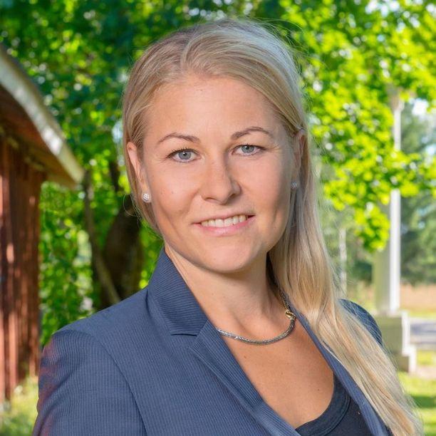 Piia Kattelus nousi Seinäjoen kaupunginhallitukseen, nyt keskusta haluaa hänet ulos.