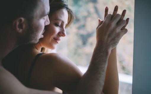 """""""Laukesin nopeasti ja päässä särisi puoli vuorokautta"""" - Tuhat suomalaista kertoo: Tällaista on hyvä seksi"""