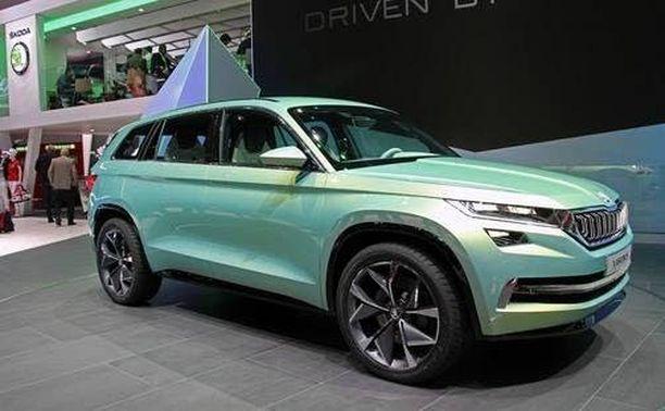 Tältä se näyttää ulkoapäin. Tämä kuva on otettu Geneven autonäyttelystä keväällä 2016 Vision S -konseptimallista, joka oli 99-prosenttisesti tuotantomallin näköinen.