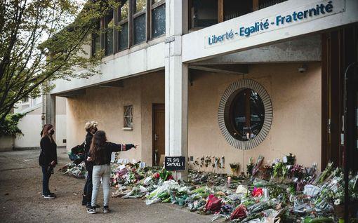 Opettajan Ranskassa mestannut nuori ei edes tuntenut uhriaan – pidätettyjen joukossa myös Isisiin kytkeytyvä oppilaan isä