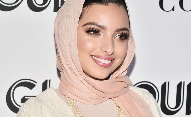 Toimittaja Noor Tagouri oli yksi Beautycon-tapahtumassa puhuneista vaikuttajista.