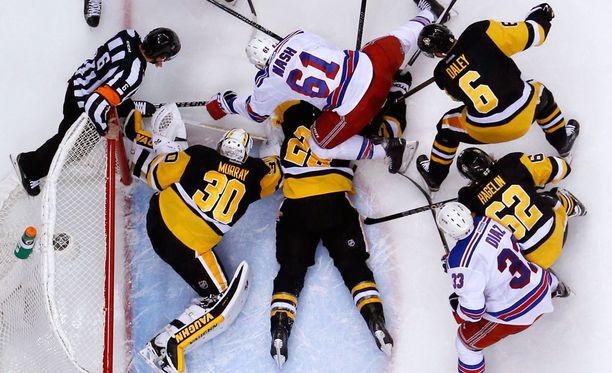 Muun muassa NHL-pelaajien vakuutusmaksut aiheuttavat kitkaa neuvotteluissa pelaajien osallistumisesta olympialaisiin.