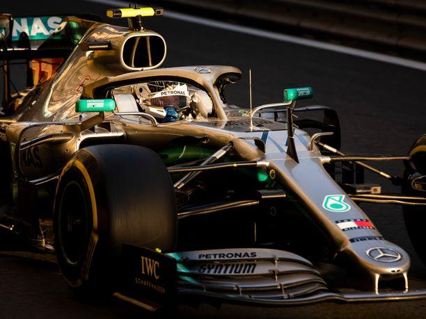 Valtteri Bottas vei niukasti Azerbaidzhanin GP:n paalupaikan.