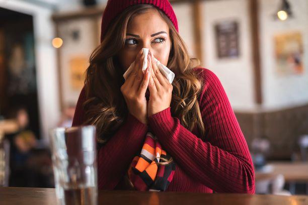 Sinkki-imeskelytabletteja pitää alkaa syödä mahdollisimman pian flunssan oireiden alettua.