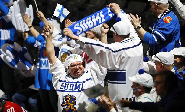 Suomen fanit saivat juhlia ilman tungosta.