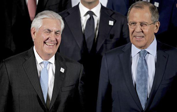 Tillerson ja Lavrov tapasivat helmikuussa G20-kokouksen yhteydessä. Kohtaamista kuvailtiin kylmäksi, vaikka kameroille hymyiltiin.
