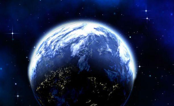 Dolores haluaa nähdä, kuinka maapallon pinta kaartuu.