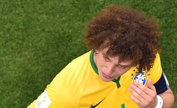 David Luiz oli murtunut tappion jälkeen.