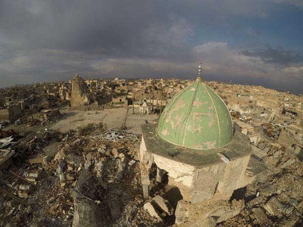 Mosul muuttui rauniokaupungiksi kuukausia kestäneissä taisteluissa. Kuva on helmikuulta.