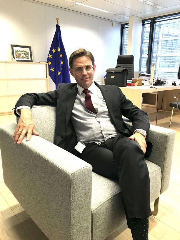 EU-komission varapuheenjohtaja Jyrki Katainen ei ole vielä ilmoittanut, onko hän halukas lähtemään kisaan komission puheenjohtajapestistä.