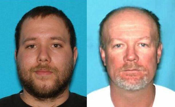 Dereck James Harrisonia, 22 ja hänen isäänsä Flint Wayne Harrisonia, 51, syytetään viiden naisen kidnappaamisesta Yhdysvalloissa.