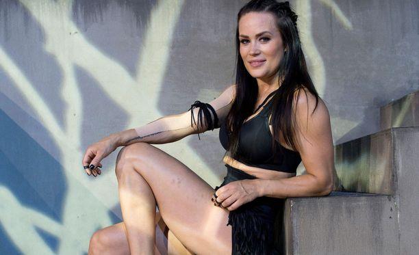 Martina Aitolehti on Pantteri uudessa Gladiaattorit-ohjelmassa.