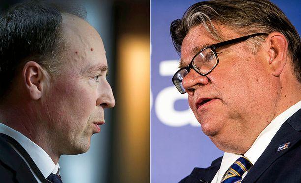 Perussuomalaisten nykyinen puheenjohtaja Jussi Halla-aho ja entinen puheenjohtaja Timo Soini.