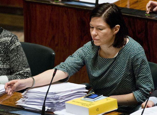 Tutkintapyynnössä apulaispormestari Anni Sinnemäen epäillään toimineen paitsi koneenomistajien myös helsinkiläisten veronmaksajien vahingoksi.