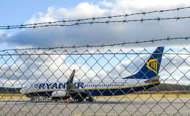 Railakas polttariporukka aiheuttu häiriötä Ryanairin lennolla.