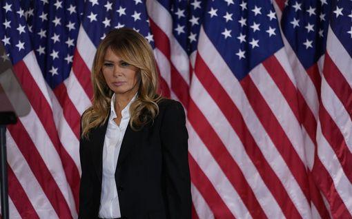Melania Trump julkaisi jäähyväisvideon - ei ole ollut yhteydessä Jill Bideniin