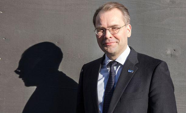 Puolustusministeri Jussi Niinistö isännöi Viron puolustusministerin vierailua.