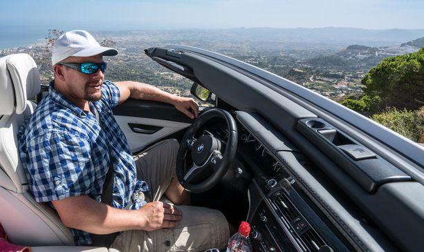 Henry Aflechtille autot ovat intohimo, ja avo-Bemari on Espanjan Aurinkorannikolla ehdottomuus.