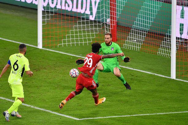 Kingsley Coman teki Bayernin 4–0-maalin viime tiistaina.