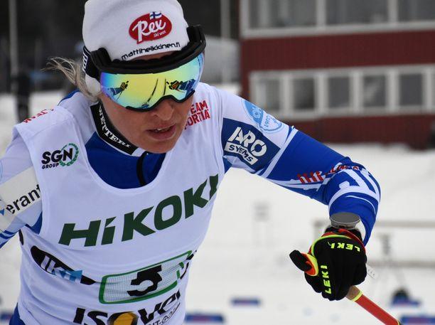 Riitta-Liisa Roponen oli vauhdissa lauantaina Ylitornion Suomen cupin viestissä.