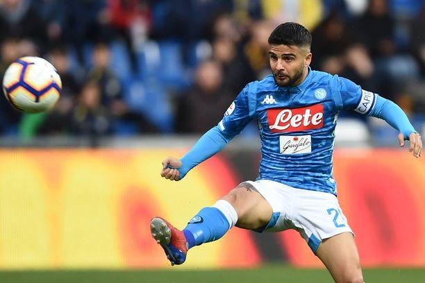 Lorenzo Insigne iski Napolin tasoihin loppuhetkillä Sassuoloa vastaan.