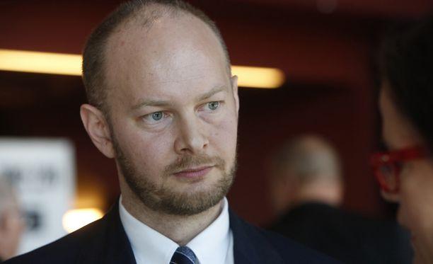 Sampo Terho voisi pyrkiä puheenjohtajaksi, jos nykyinen puheenjohtaja Timo Soini ei pyri jatkokaudelle.