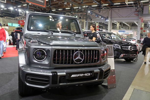 Uusi G-sarja.  Veroton hinta 200 000 euroa, vero 200 000 euroa. Kokonaishinta 400 000 euroa
