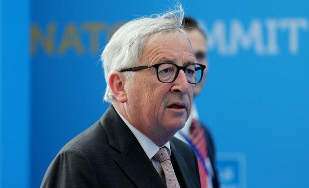 Euroopan eri instituutioiden johtajat oli kutsuttu Nato-johtajien kokouksen jälkeiselle gaalaillalliselle keskiviikkona.