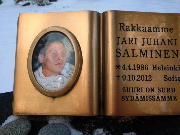 Jari Salminen on haudattu Suomeen.