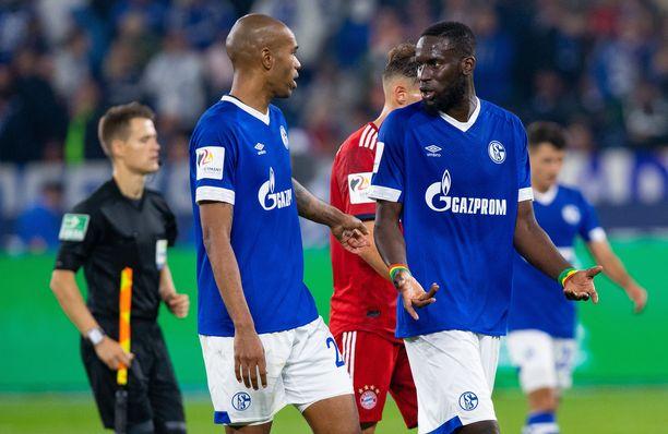 Schalken Salif Sanella ja Naldolla riitti ruodittavaa Bayern-tappion jälkeen.