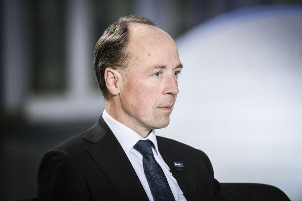 Perussuomalaisten puheenjohtaja Jussi Halla-aho kommentoi kannatusmittauksen tulosta aamulla sosiaalisessa mediassa.