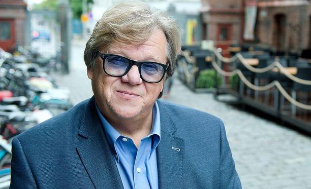 Mikko Alatalo (kesk) on tyytyväinen, että pääsi Arkadianmäeltä ja Tampereen valtuustokiireiden keskellä osallistumaan myös Tähdet, tähdet -tv-ohjelmaan.