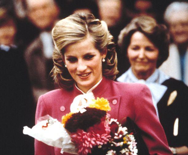 Prinsessa Diana kuvattuna 1980-luvun alkupuolella.