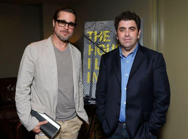 Brad Pitt ja elokuvan ohjaaja ja käsikirjoittaja Eugene Jarecki.